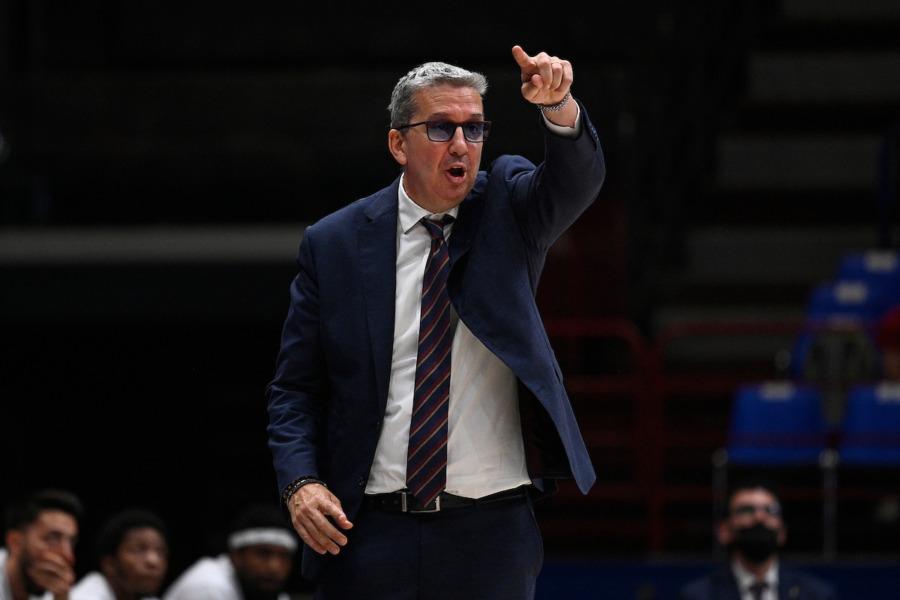 https://www.basketmarche.it/immagini_articoli/23-05-2021/reyer-coach-raffaele-abbiamo-giocato-gara-solida-complimenti-ragazzi-resettiamo-pensiamo-gara-600.jpg