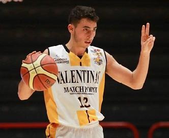 https://www.basketmarche.it/immagini_articoli/23-06-2017/serie-a2-secondo-colpo-di-mercato-per-la-poderosa-montegranaro-firmato-il-play-lorenzo-maspero-270.jpg