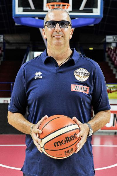 https://www.basketmarche.it/immagini_articoli/23-06-2019/reyer-venezia-coach-raffaele-questo-scudetto-capolavoro-coraggio-idee-lavoro-600.jpg