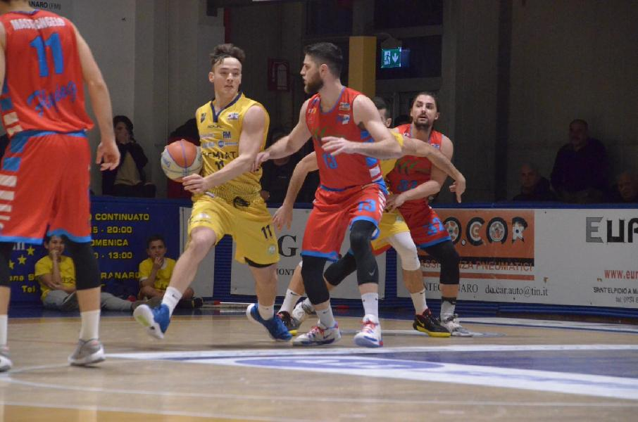 https://www.basketmarche.it/immagini_articoli/23-06-2020/sutor-montegranaro-obiettivo-ripartire-conferma-coach-ciarpella-giocatori-600.jpg