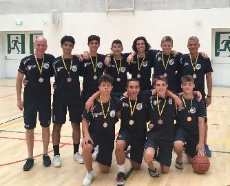 https://www.basketmarche.it/immagini_articoli/23-07-2018/giovanili-il-nuovo-basket-aquilano-conquista-il-bronzo-ai-giochi-internazionali-fisec-in-belgio-270.jpg