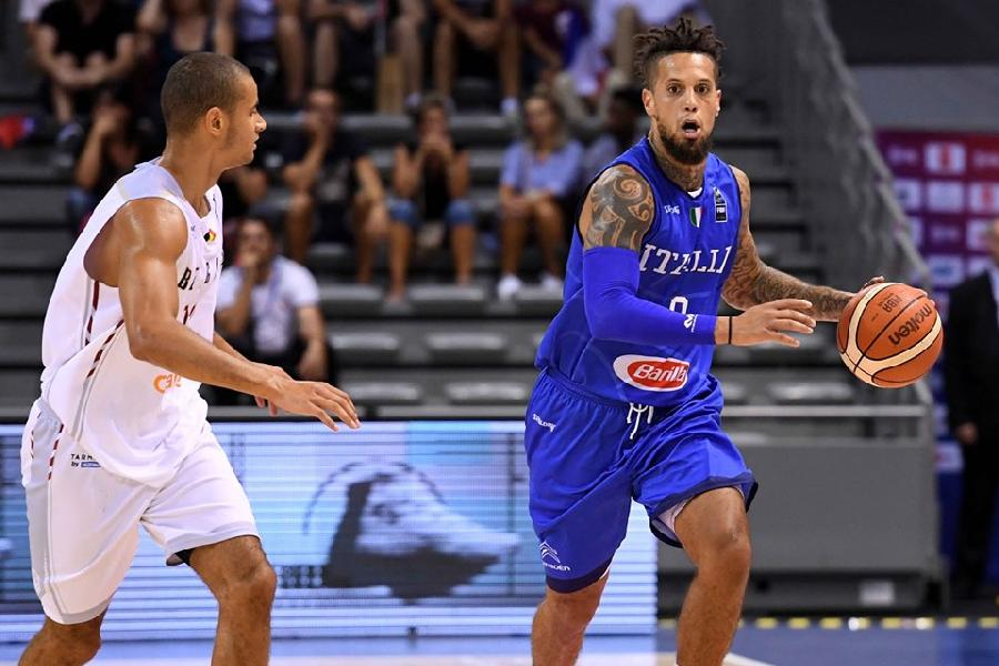 https://www.basketmarche.it/immagini_articoli/23-07-2019/italbasket-colloquio-petrucci-hackett-giocatore-ritiro-luglio-600.jpg