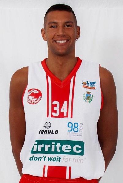 https://www.basketmarche.it/immagini_articoli/23-07-2020/ufficiale-arrivo-patrick-avanzini-chiude-roster-olginate-600.jpg