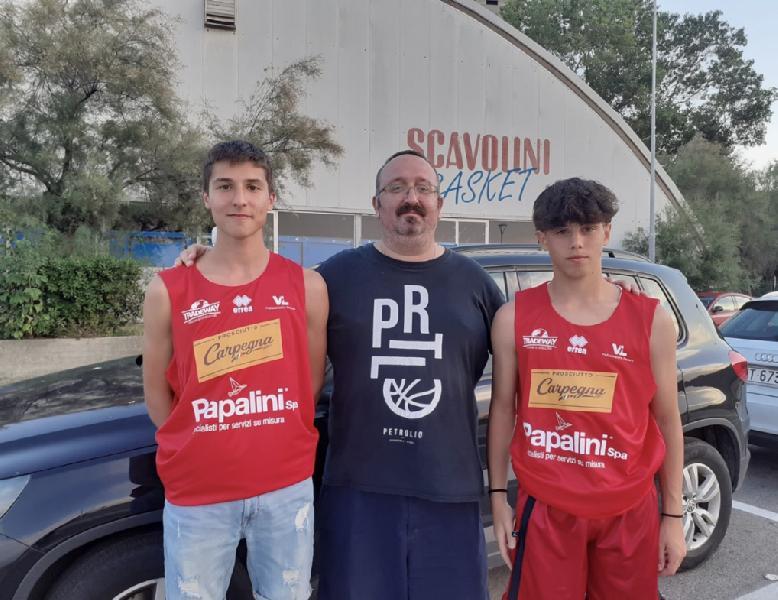 https://www.basketmarche.it/immagini_articoli/23-07-2020/virtus-assisi-provini-fabriano-pesaro-parma-fabio-fondacci-lorenzo-piampiano-600.jpg