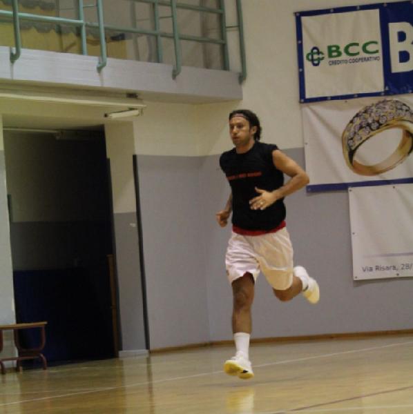 https://www.basketmarche.it/immagini_articoli/23-08-2018/serie-c-gold-botto-di-mercato-per-il-bramante-pesaro-firmato-marco-gnaccarini-600.png