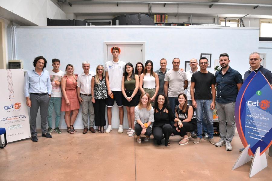 https://www.basketmarche.it/immagini_articoli/23-08-2019/poderosa-montegranaro-presentato-gabriele-miani-sono-contento-finora-tutto-bene-600.jpg