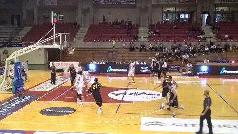 https://www.basketmarche.it/immagini_articoli/23-09-2017/serie-a-torneo-le-marche-a-canestro-la-poderosa-montegranaro-supera-la-victoria-libertas-pesaro-270.jpg