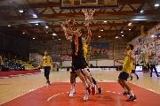 https://www.basketmarche.it/immagini_articoli/23-09-2017/serie-b-nazionale-memorial-mazzoni-il-basket-recanati-cade-in-semifinale-contro-i-tigers-forlì-120.jpg