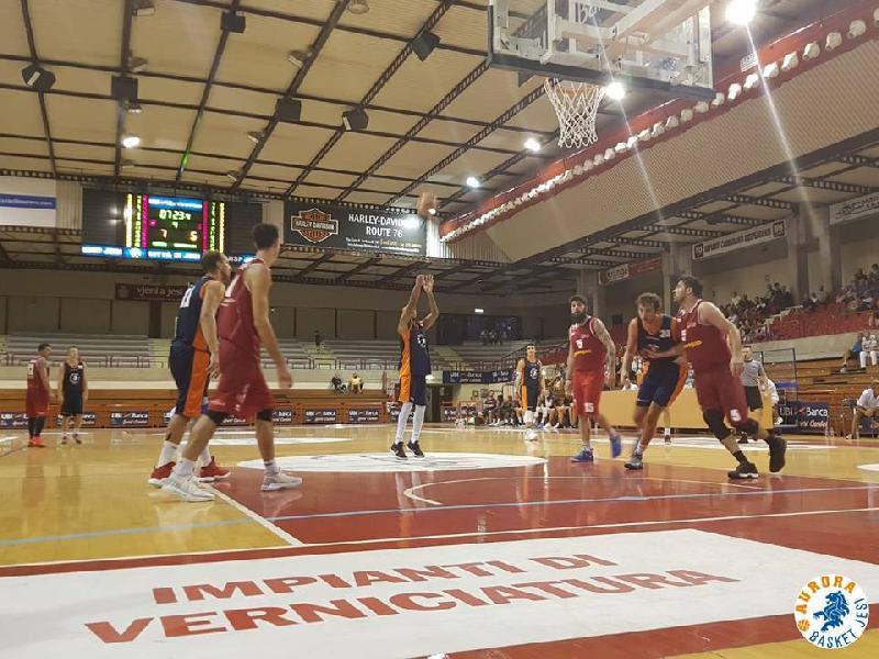 https://www.basketmarche.it/immagini_articoli/23-09-2018/serie-aurora-jesi-supera-fatica-buona-pallacanestro-senigallia-600.jpg