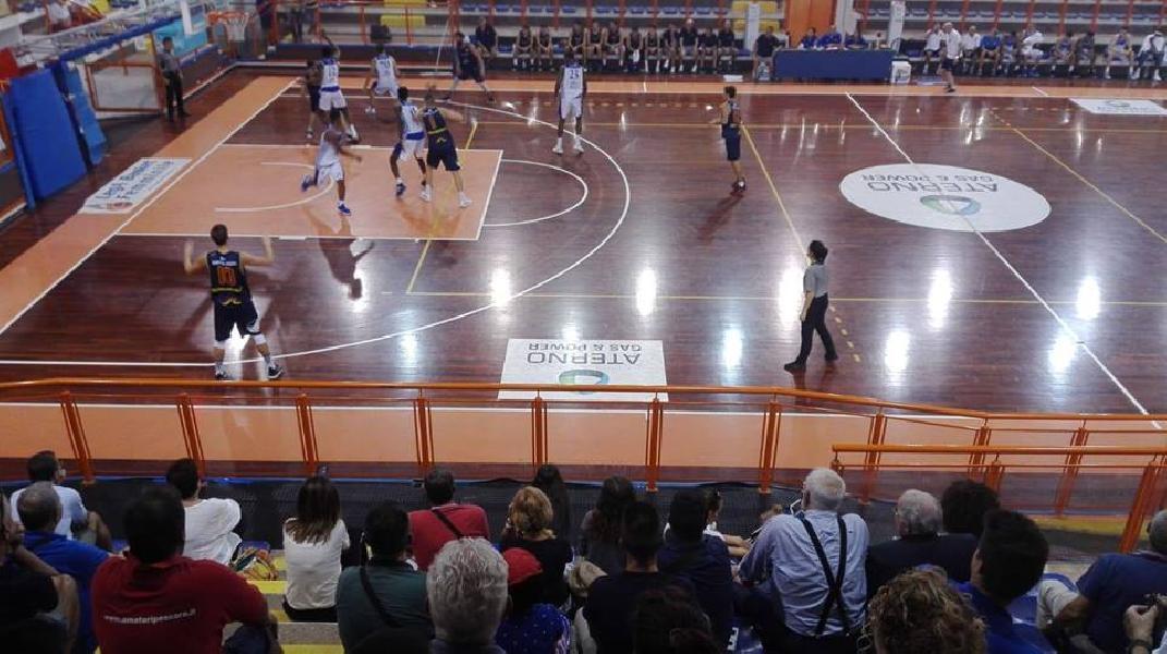 https://www.basketmarche.it/immagini_articoli/23-09-2018/trofeo-unibasket-niente-fare-giulianova-basket-roseto-sharks-600.jpg