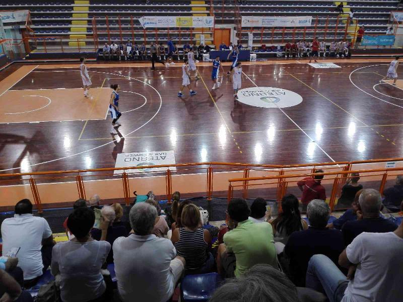 https://www.basketmarche.it/immagini_articoli/23-09-2018/trofeo-unibasket-unibasket-pescara-roseto-sharks-sono-finaliste-600.jpg