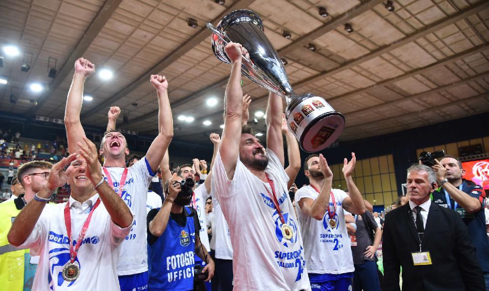 https://www.basketmarche.it/immagini_articoli/23-09-2019/dinamo-sassari-coach-pozzecco-dedico-questa-vittoria-tutta-sardegna-sono-orgoglioso-miei-ragazzi-600.jpg