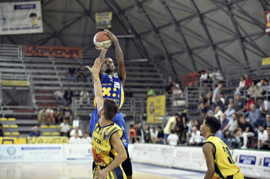 https://www.basketmarche.it/immagini_articoli/23-09-2019/supercoppa-terribile-quarto-condanna-poderosa-montegranaro-sconfitta-scafati-600.jpg