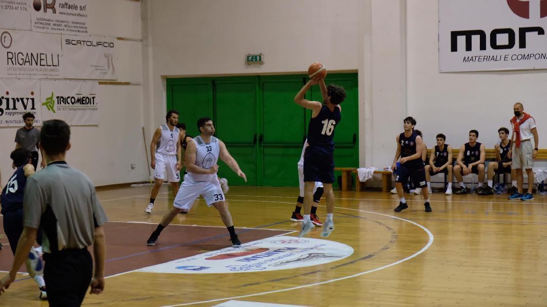 https://www.basketmarche.it/immagini_articoli/23-09-2021/amichevole-intensa-equilibrata-88ers-civitanova-sporting-pselpidio-600.jpg