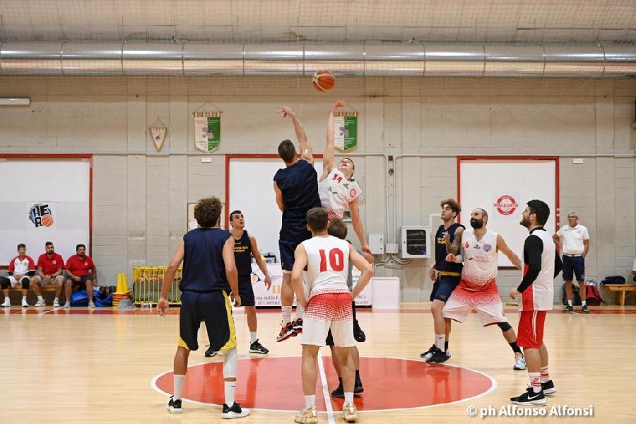 https://www.basketmarche.it/immagini_articoli/23-09-2021/buon-basket-macerata-tiene-testa-amichevole-pallacanestro-recanati-600.jpg