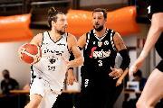 https://www.basketmarche.it/immagini_articoli/23-09-2021/campionato-aquila-basket-trento-parte-botto-subito-sfida-virtus-bologna-stelle-120.jpg