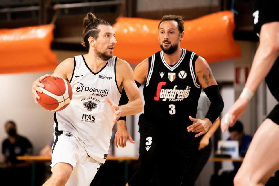 https://www.basketmarche.it/immagini_articoli/23-09-2021/campionato-aquila-basket-trento-parte-botto-subito-sfida-virtus-bologna-stelle-600.jpg