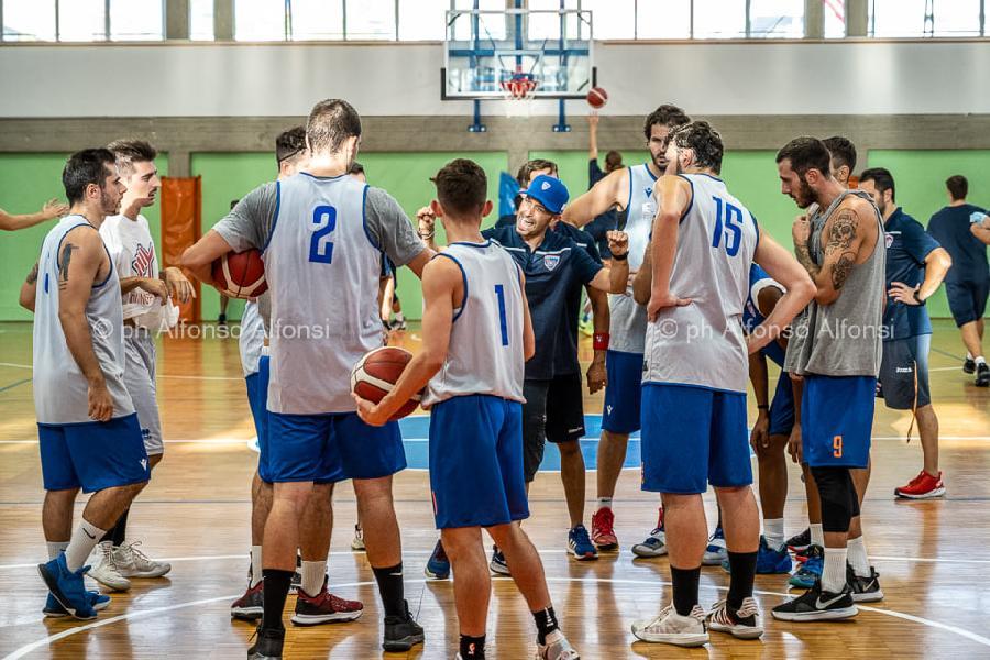 https://www.basketmarche.it/immagini_articoli/23-09-2021/finisce-parit-test-amichevole-attila-junior-porto-recanati-wispone-taurus-jesi-600.jpg