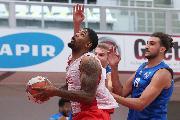https://www.basketmarche.it/immagini_articoli/23-09-2021/janus-fabriano-aggiudica-amichevole-campo-basket-ravenna-120.jpg