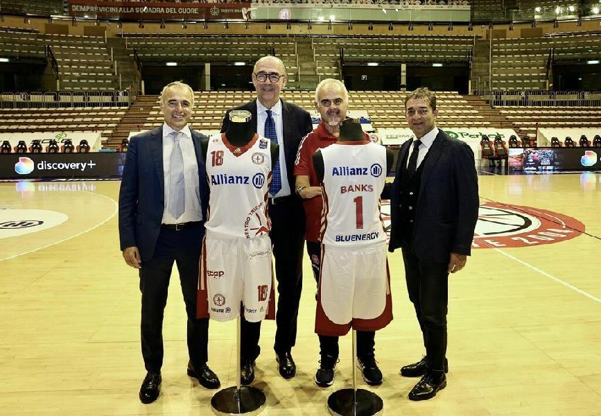 https://www.basketmarche.it/immagini_articoli/23-09-2021/presentata-pallacanestro-trieste-20212022-mario-ghiacci-prepariamo-vivere-unannata-fondamentale-600.jpg