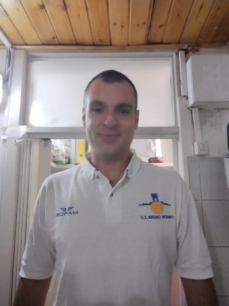 https://www.basketmarche.it/immagini_articoli/23-09-2021/ufficiale-morris-garotti-vice-allenatore-pallacanestro-recanati-600.jpg