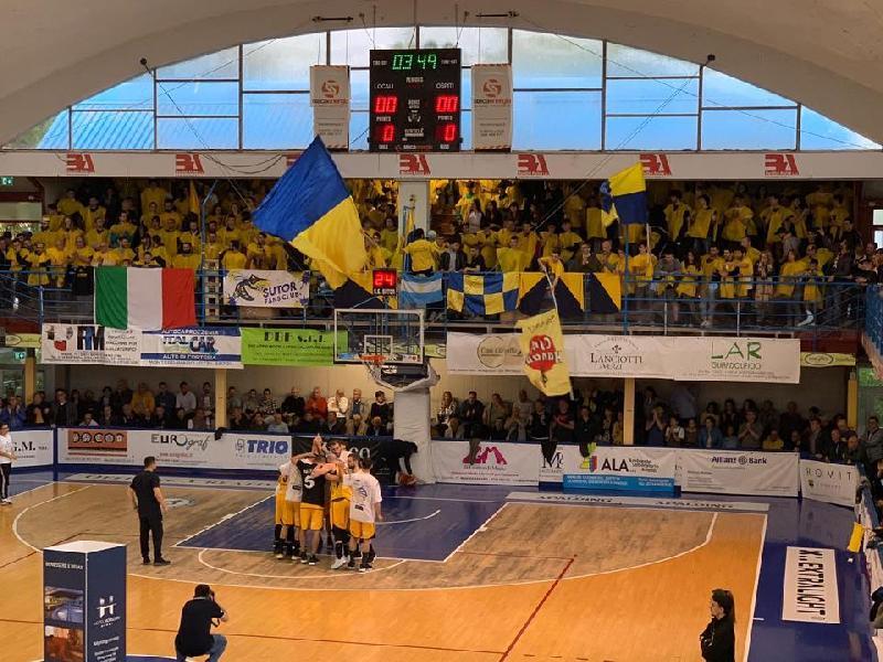 https://www.basketmarche.it/immagini_articoli/23-10-2019/chiude-tessere-vendute-campagna-abbonamenti-sutor-montegranaro-600.jpg