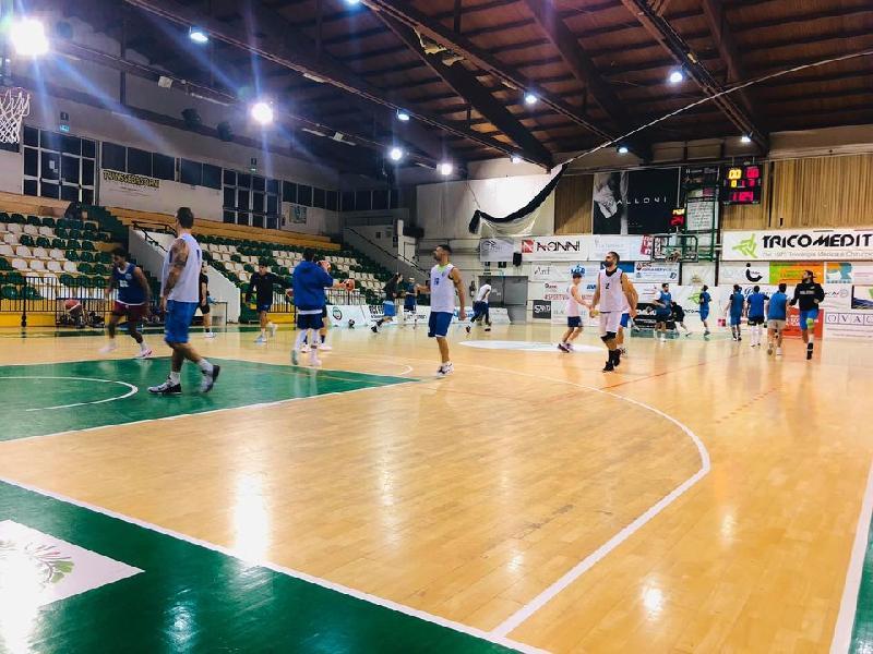 https://www.basketmarche.it/immagini_articoli/23-10-2020/porto-sant-elpidio-basket-supera-amichevole-lucky-wind-foligno-600.jpg