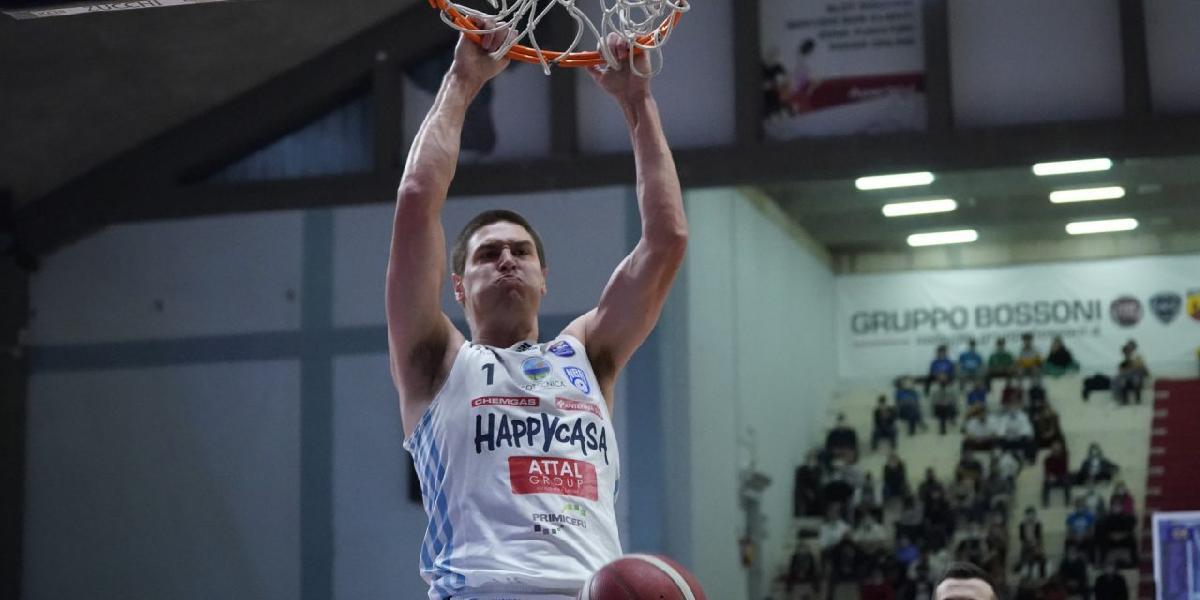 https://www.basketmarche.it/immagini_articoli/23-10-2021/happy-casa-brindisi-espugna-campo-vanoli-cremona-600.jpg