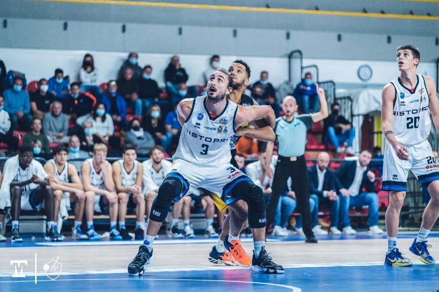 https://www.basketmarche.it/immagini_articoli/23-10-2021/janus-fabriano-cerca-invertire-rotta-campo-eurobasket-roma-600.jpg