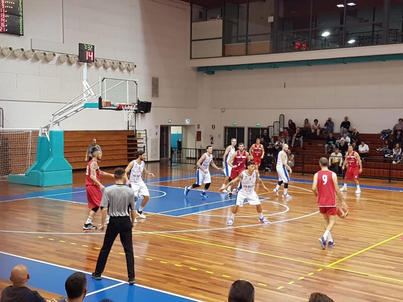 https://www.basketmarche.it/immagini_articoli/23-10-2021/titano-marino-doma-ostica-pallacanestro-urbania-rimane-imbattuta-600.jpg