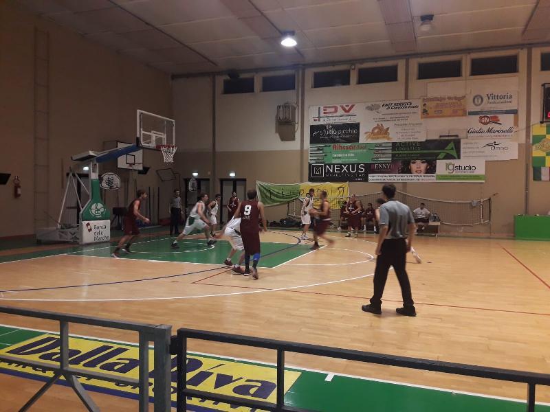 https://www.basketmarche.it/immagini_articoli/23-11-2019/basket-vadese-scappa-finale-supera-spartans-pesaro-600.jpg