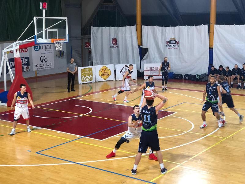 https://www.basketmarche.it/immagini_articoli/23-11-2019/lucky-wind-foligno-trionfa-derby-virtus-assisi-sconfitta-dopo-supplementare-600.jpg