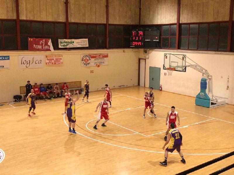https://www.basketmarche.it/immagini_articoli/23-11-2019/storm-ubique-ascoli-battono-sacrata-porto-potenza-conquista-prima-gioia-stagionale-600.jpg