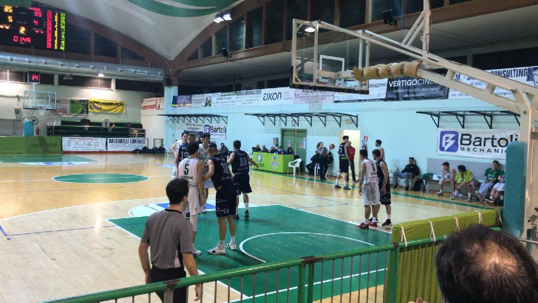 https://www.basketmarche.it/immagini_articoli/23-12-2018/basket-foligno-conquista-punti-fossombrone-600.jpg