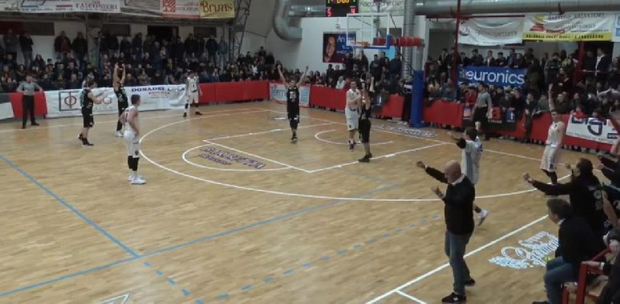 https://www.basketmarche.it/immagini_articoli/23-12-2018/grande-luciana-mosconi-ancona-espugna-campo-nard-600.jpg