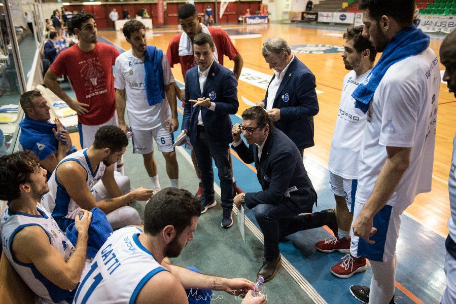 https://www.basketmarche.it/immagini_articoli/23-12-2018/janus-fabriano-tutto-cuore-punti-trasferta-bisceglie-600.jpg