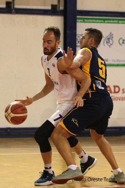 https://www.basketmarche.it/immagini_articoli/23-12-2018/valdiceppo-basket-ferma-corsa-unibasket-lanciano-campione-inverno-600.jpg