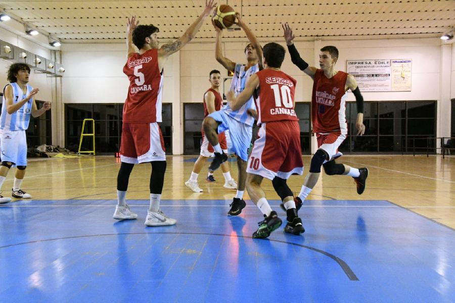 https://www.basketmarche.it/immagini_articoli/23-12-2019/convincente-vittoria-sericap-cannara-campo-basket-passignano-600.jpg