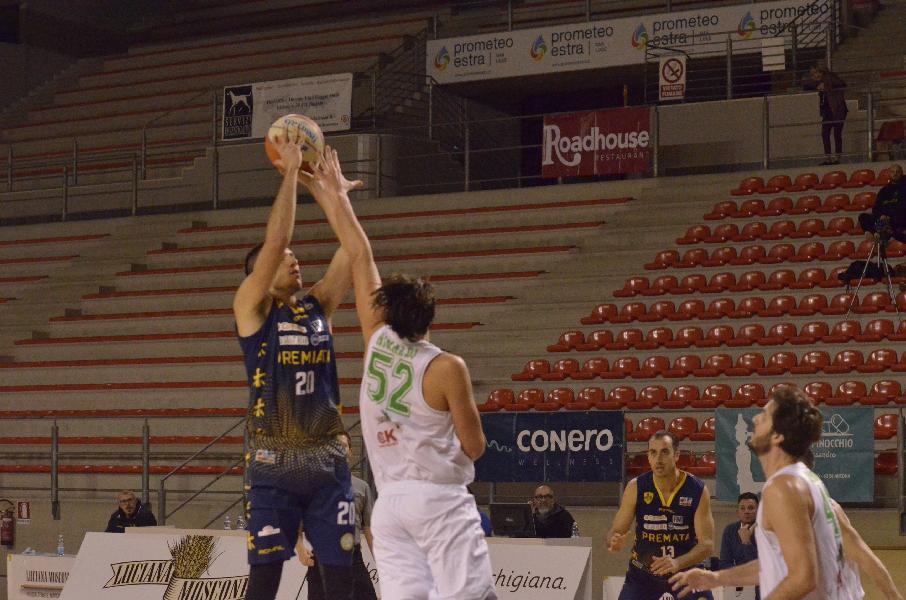 https://www.basketmarche.it/immagini_articoli/23-12-2019/ultimo-quarto-fatale-sutor-montegranaro-campo-campetto-ancona-600.jpg