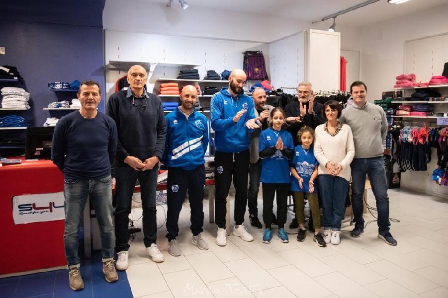 https://www.basketmarche.it/immagini_articoli/24-01-2020/janus-fabriano-final-eight-coppa-italia-maglia-speciale-600.jpg