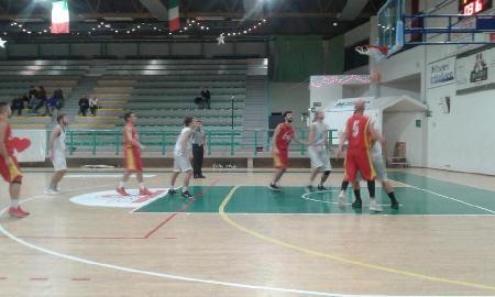 https://www.basketmarche.it/immagini_articoli/24-02-2018/promozione-a-il-cagli-basketball-si-aggiudica-in-volata-il-derby-contro-la-pallacanestro-cagli-270.jpg
