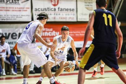 https://www.basketmarche.it/immagini_articoli/24-02-2018/serie-c-silver-il-pisaurum-pesaro-supera-la-pallacanestro-recanati-e-continua-a-correre-270.jpg