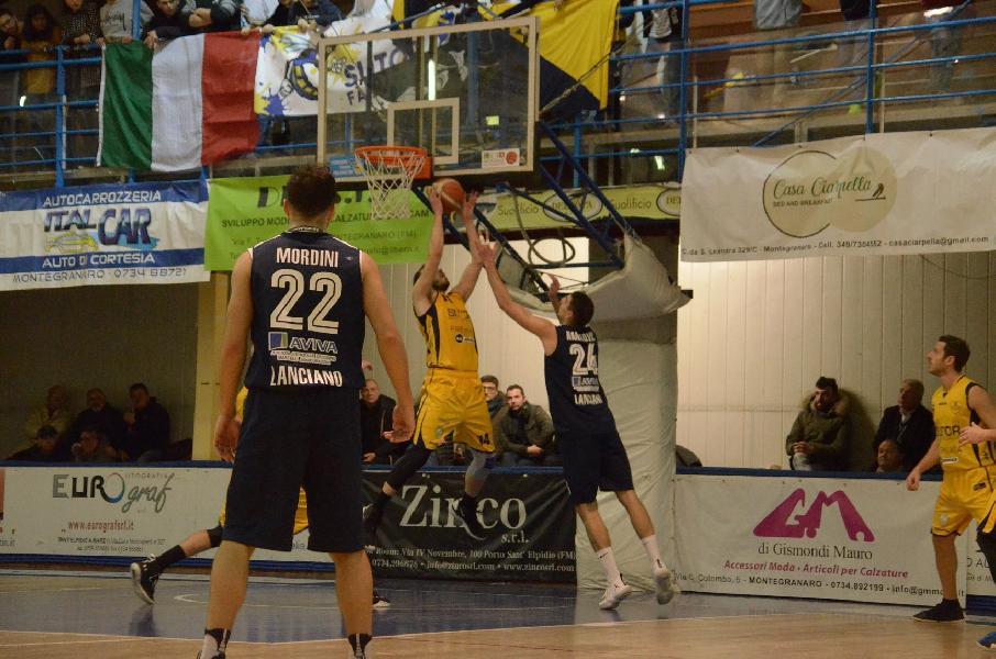 https://www.basketmarche.it/immagini_articoli/24-02-2019/gold-ritorno-lanciano-solo-testa-bene-fosso-matelica-pesaresi-foligno-dopo3-overtime-600.jpg