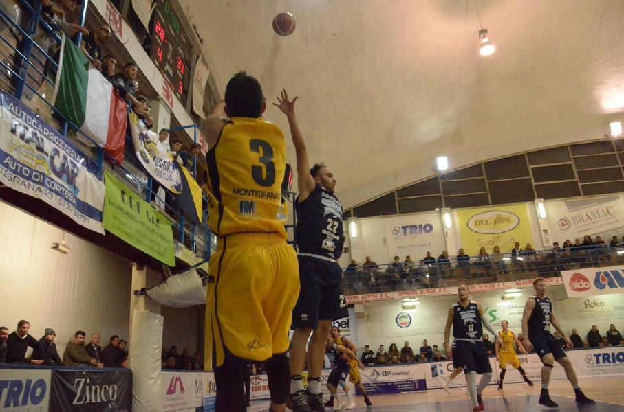 https://www.basketmarche.it/immagini_articoli/24-02-2019/unibasket-lanciano-espugna-bombonera-rimane-solo-testa-classifica-600.jpg