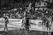 https://www.basketmarche.it/immagini_articoli/24-02-2020/janus-fabriano-basta-grande-prova-espugna-campo-tramec-cento-120.jpg