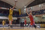 https://www.basketmarche.it/immagini_articoli/24-02-2020/sutor-montegranaro-fallisce-conquista-vittoria-importante-ozzano-120.jpg