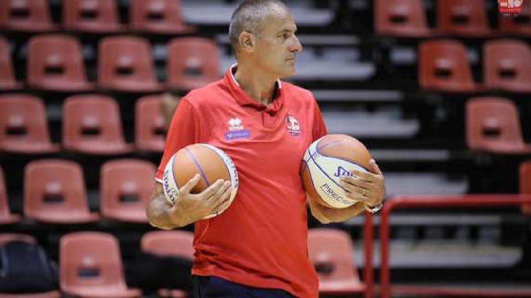 https://www.basketmarche.it/immagini_articoli/24-02-2021/serie-sandro-agnello-miglior-allenatore-girone-andata-600.jpg