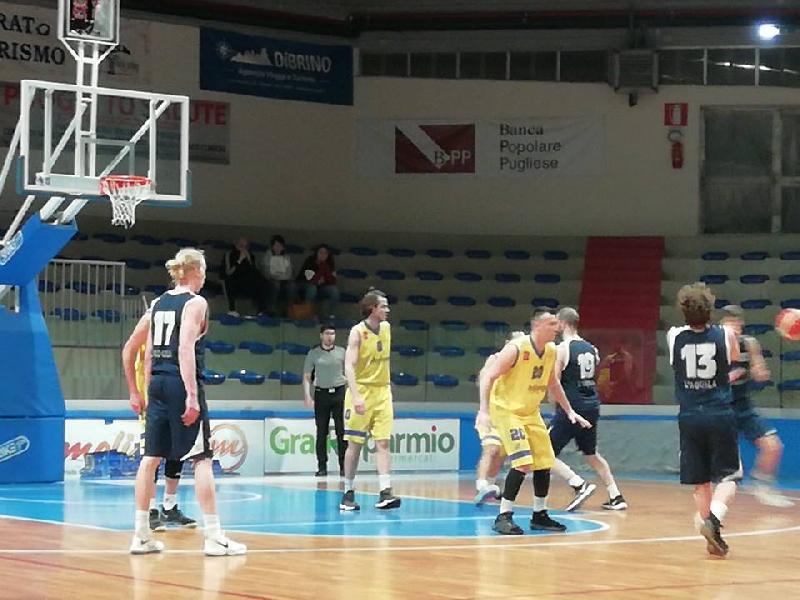 https://www.basketmarche.it/immagini_articoli/24-03-2019/airino-basket-termoli-supera-basket-aquilano-chiude-posto-600.jpg