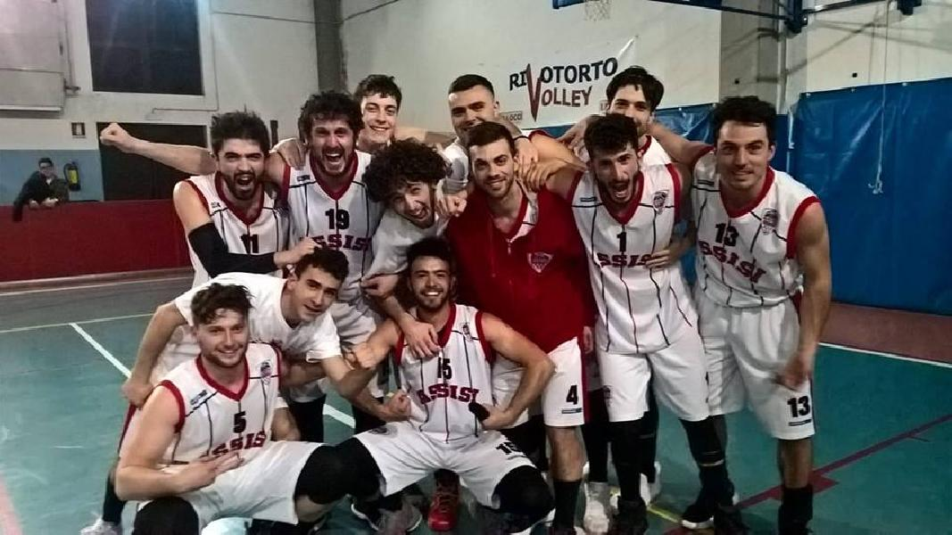 https://www.basketmarche.it/immagini_articoli/24-03-2019/basket-assisi-supera-volata-basket-gubbio-600.jpg
