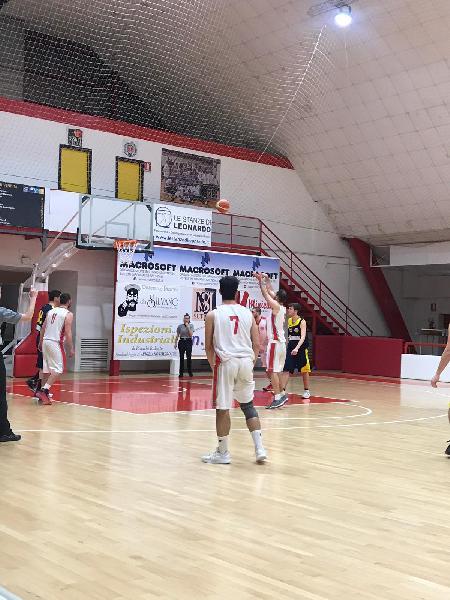 https://www.basketmarche.it/immagini_articoli/24-03-2019/basket-maceratese-supera-nettamente-victoria-fermo-conferma-posto-600.jpg
